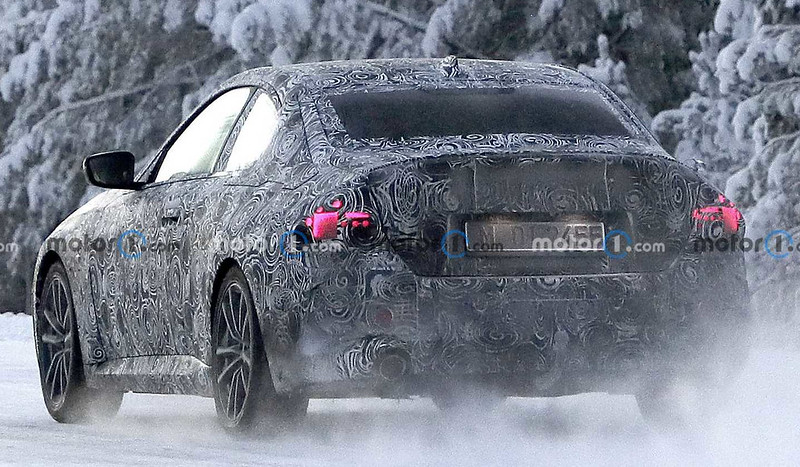 2022-bmw-2-series-coupe-spy-photo-from-near-the-arctic-circle (4)