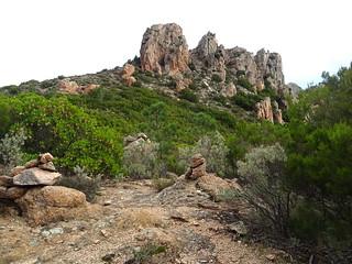 Le col et les aiguilles au sommet du vallon de Niffru