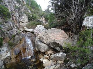 Remontée à la cascade au-dessus du surplomb