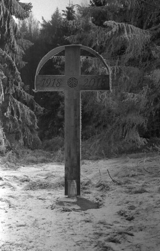 Polish-Slovakian border - Cross on the polish side | by Bohdan Bobrowski