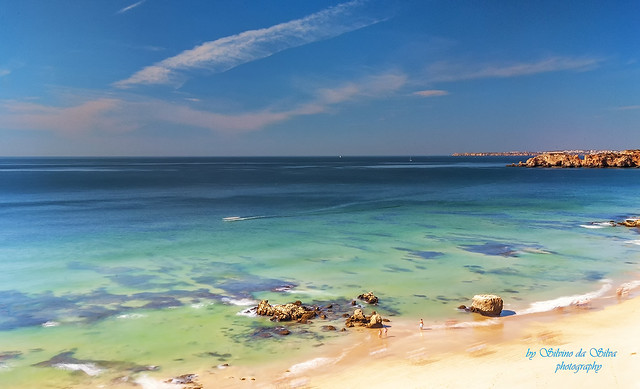 Três Castelos Beach, Portimão. Algarve, Portugal