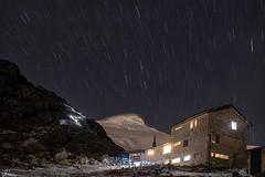 Refugio Oleas Bergé nocturna