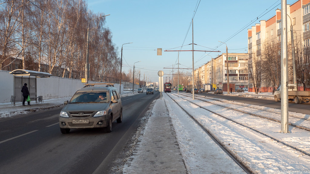 Казанский трамвай: плохо едет, хорошо горит остановка,у них там,трамвай,дорога,Казань,идиотизм