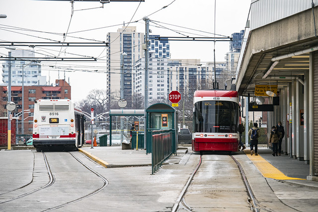 Streetcar platforms (with 506 shuttle bus), Dundas West Station