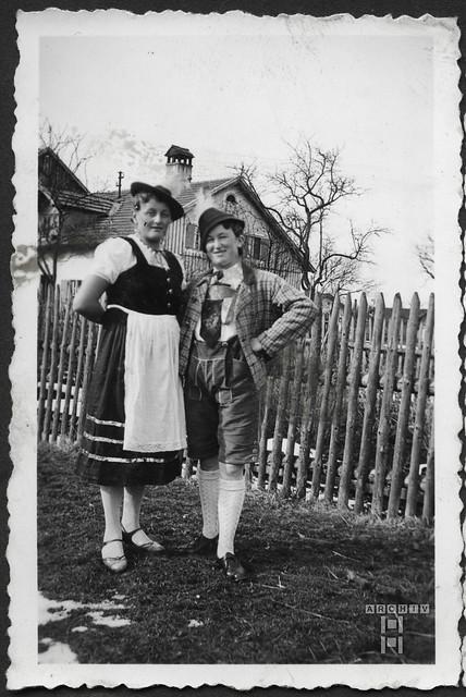 ArchivTappenZAl2a763  D'Lechtaler, Frauen, Seestall, 1930er