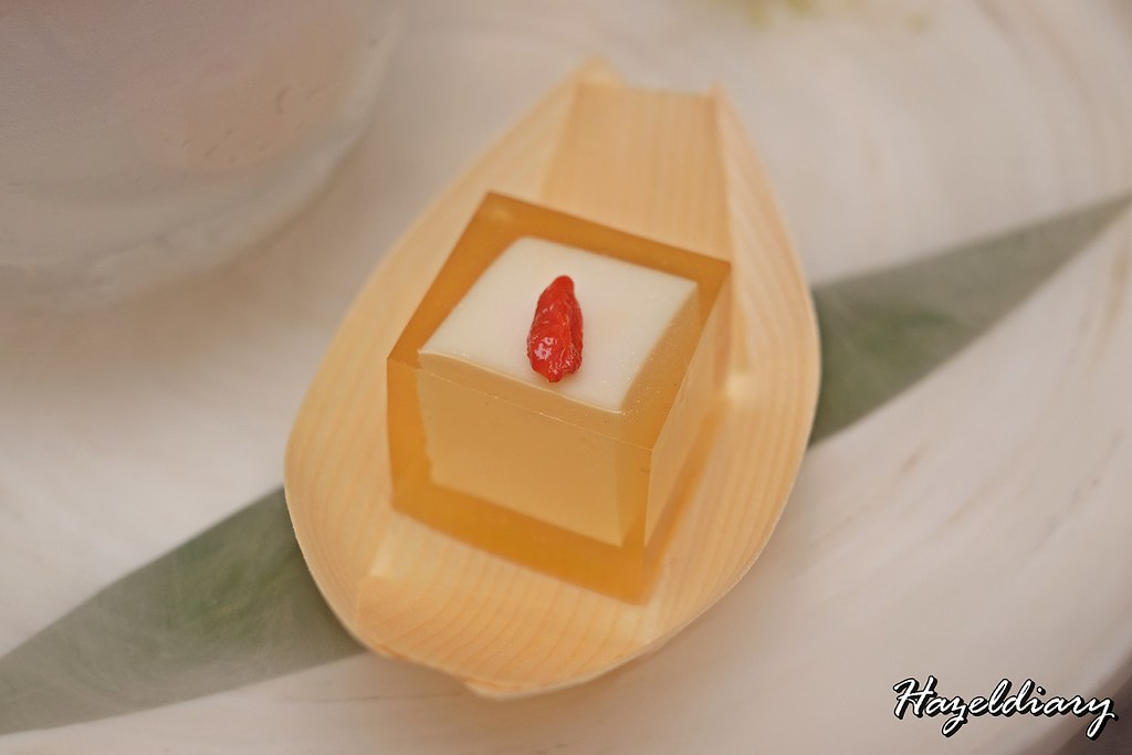 Si Chuan Dou Hua -PARKROYAL on Kitchener Road- Osmanthus Jelly with Almond