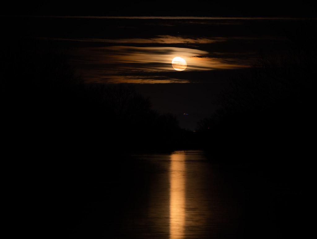 12-03-2020-moon-2