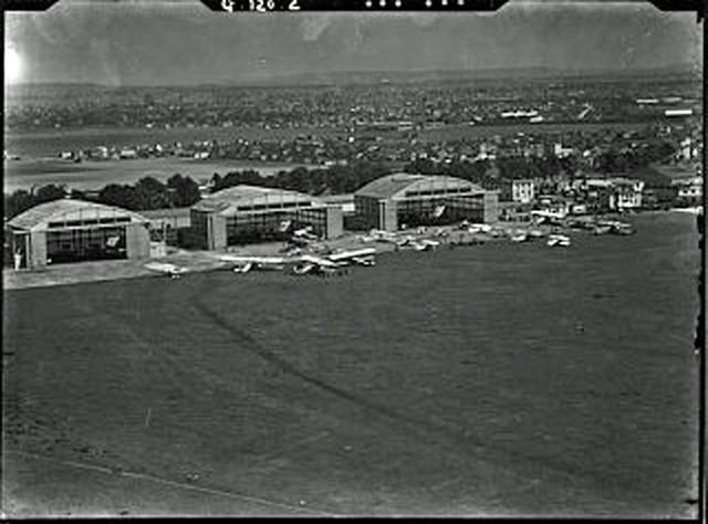 Hangars CAF - Le Bourget en 1924 - Collection Aériastory vue aérienne avions