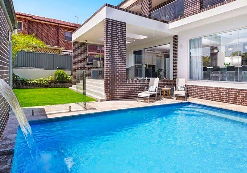 monterey-pool