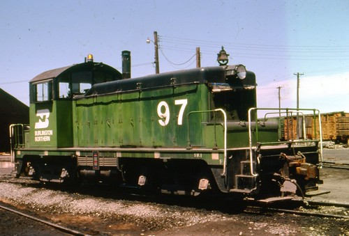BN sw-1 #97 sits by the old CB&Q turntable in North La Crosse