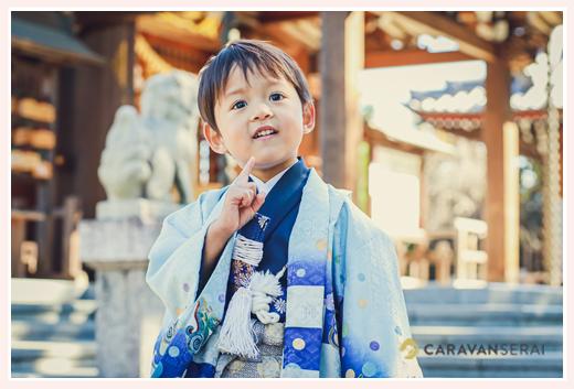 3歳の男の子の七五三 衣装はブルーの羽織袴