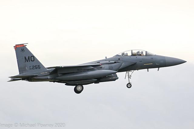 90-0255 - 1990 fiscal McDonnell Douglas F-15E Strike Eagle, transit stop at Lakenheath en-route to a deployment in Jordan
