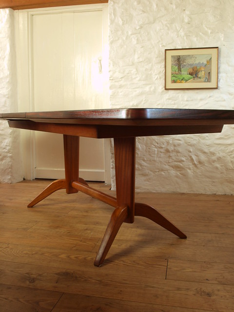 Stunning Gordon Russell large Burford extending dining table 60's