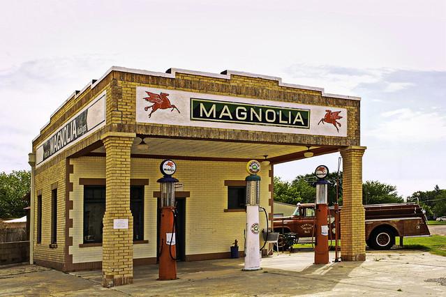 Magnolia Tankstelle - Service Station- Gas Station