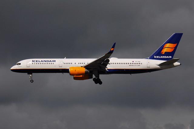 TF-ISZ Boeing 757-223 Icelandair
