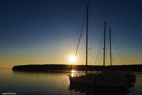 yacht boat sun sunset dusk blue adriatic sea croatia hrvatska europe canon tamron