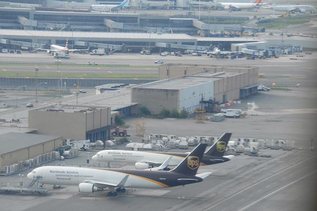 N337UP Boeing 767-34AFER UPS