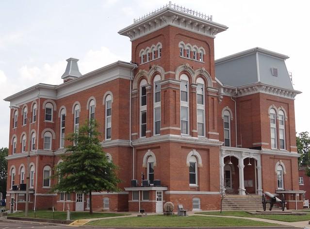 Courthouse Hillsboro, IL4