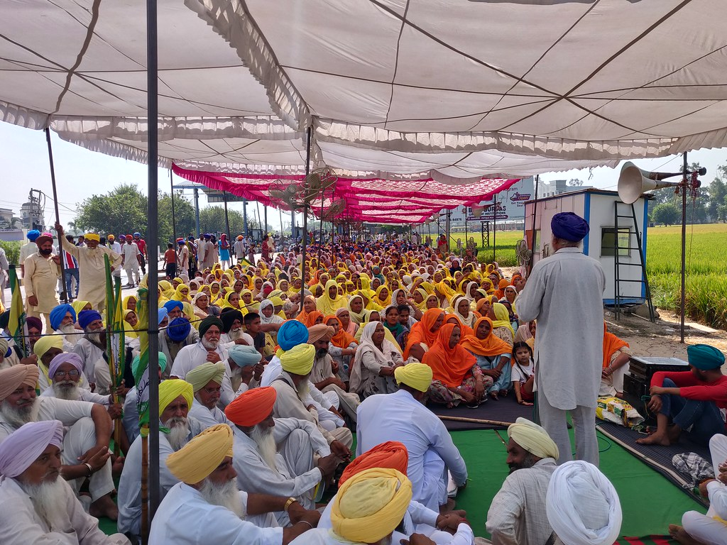 Farmers protesting at a toll plaza in Punjab in October 2020. Image by Kanupriya