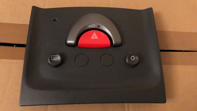 Smart Roadster (Coupe) switch panel safety island aircon