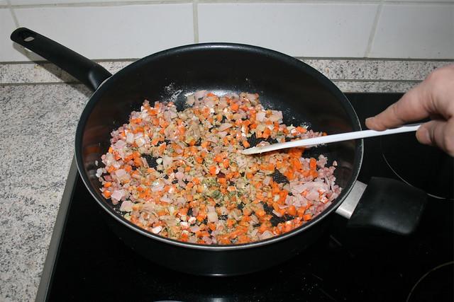 16 - Brown flour / Mehl bräunen