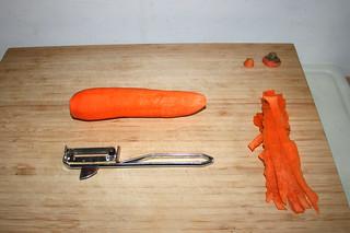 01 - Peel carrot / Möhre schälen