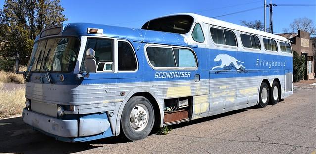 Classic Greyhound Scenicruser @ Lowell, Arizona