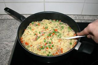 22 - Stir peas & let simmer / Erbsen verrühren & köcheln lassen