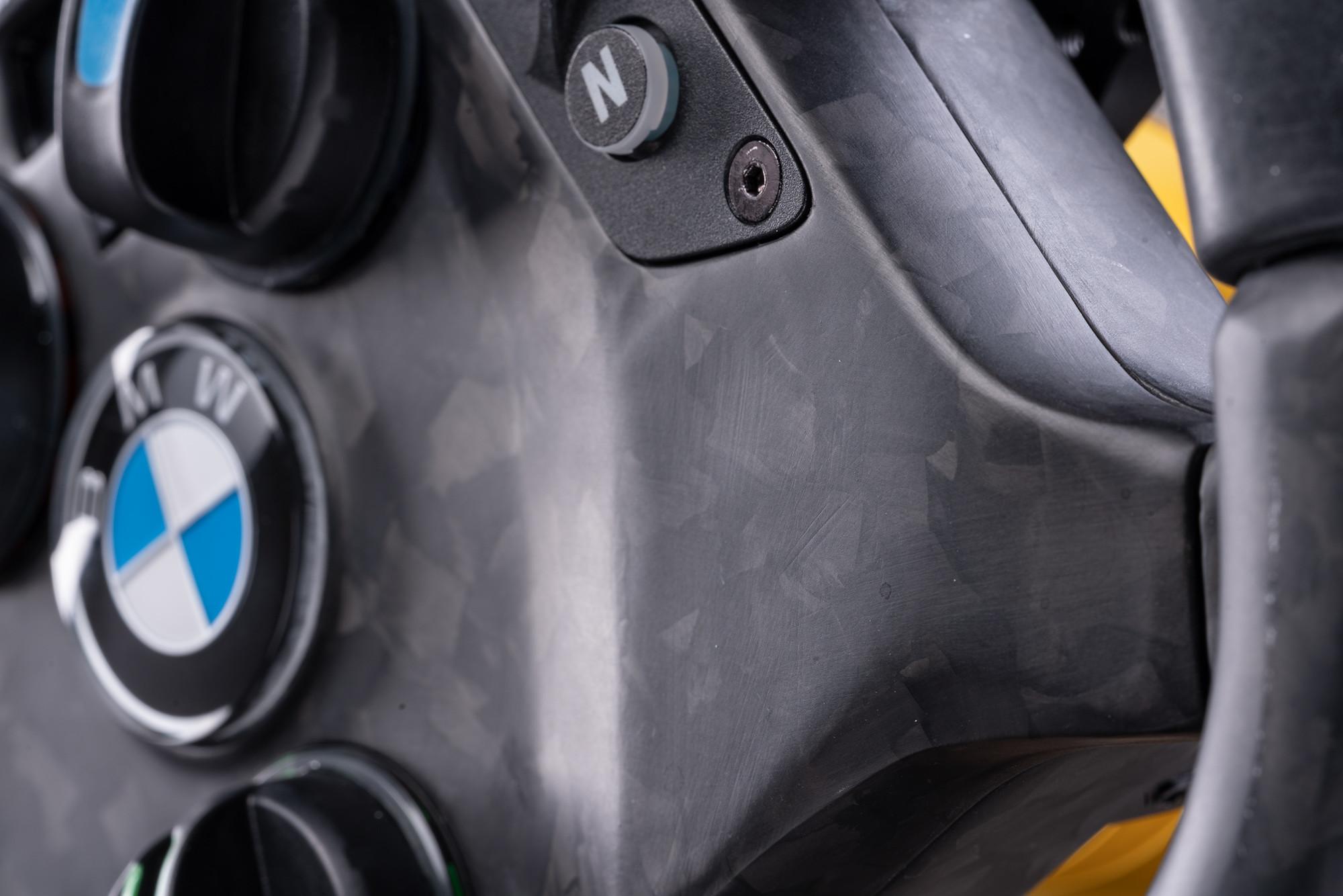 Fanatec-BMW-M4-GT3-Racing-Wheel-Sim-Racing 7
