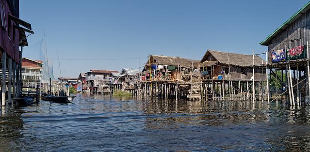 Village Intha du lac Inlé