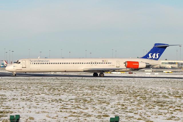 LN-ROP MD-82 SAS