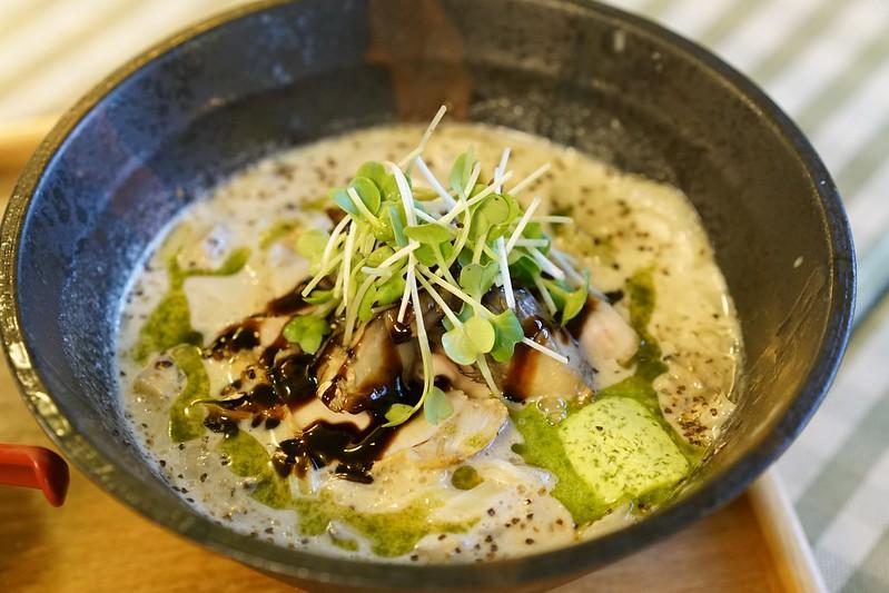 麺ビストロNAKANO_きのこポタージュ麺02