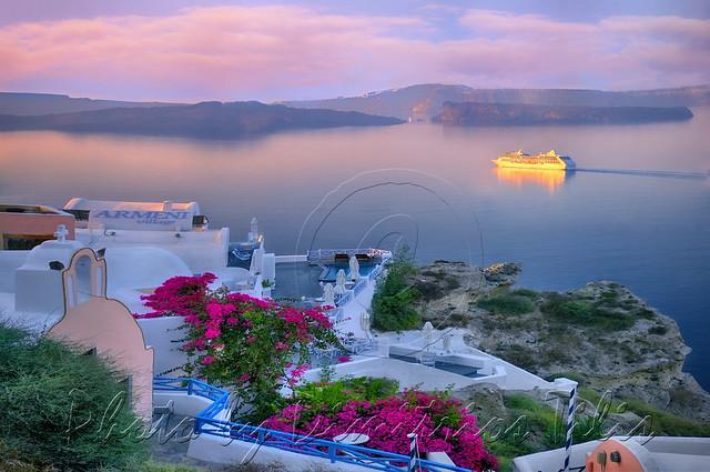 Άγιε Νικόλα παρακαλώ σε στα πέλαγα όλα λουλούδια στρώσε   St.Nikolaos I pray you spread with flowers all the seas