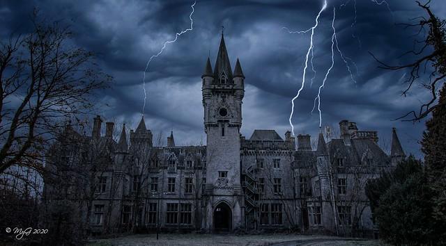 Manor of Darkness