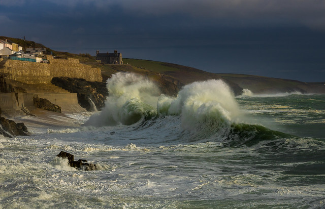 Porthleven breakers