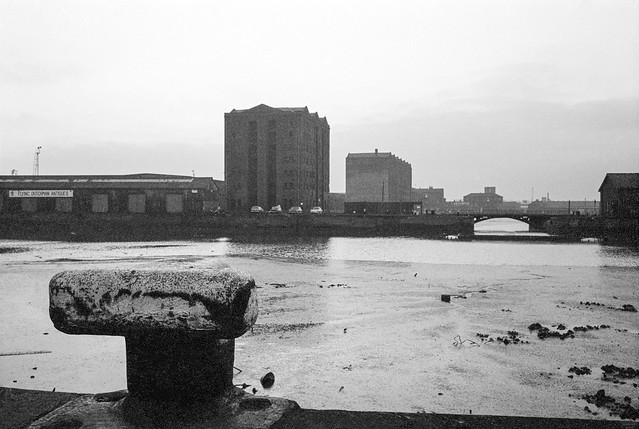 Humber dock looking across to Railway Dock, Hull, 1975 6u-14