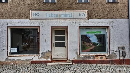 deutschland germany allemagne alemania sachsenanhalt seyda ho lebensmittel markt marktplatz tür türen eingang door porte puerta drzwi