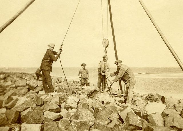 Vlieland - strandwerk - gebruik driepoot
