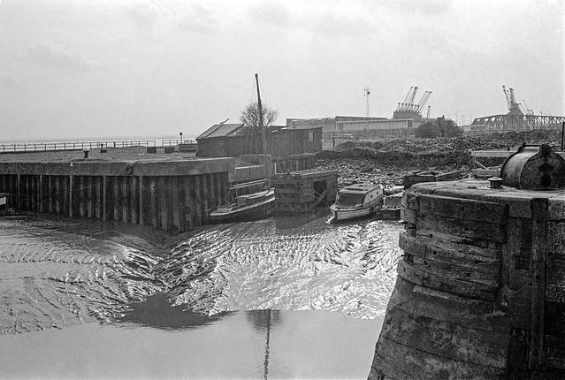 Humber Dock Basin, Island Wharf & Albert Dock, Hull, 1975, 5n36