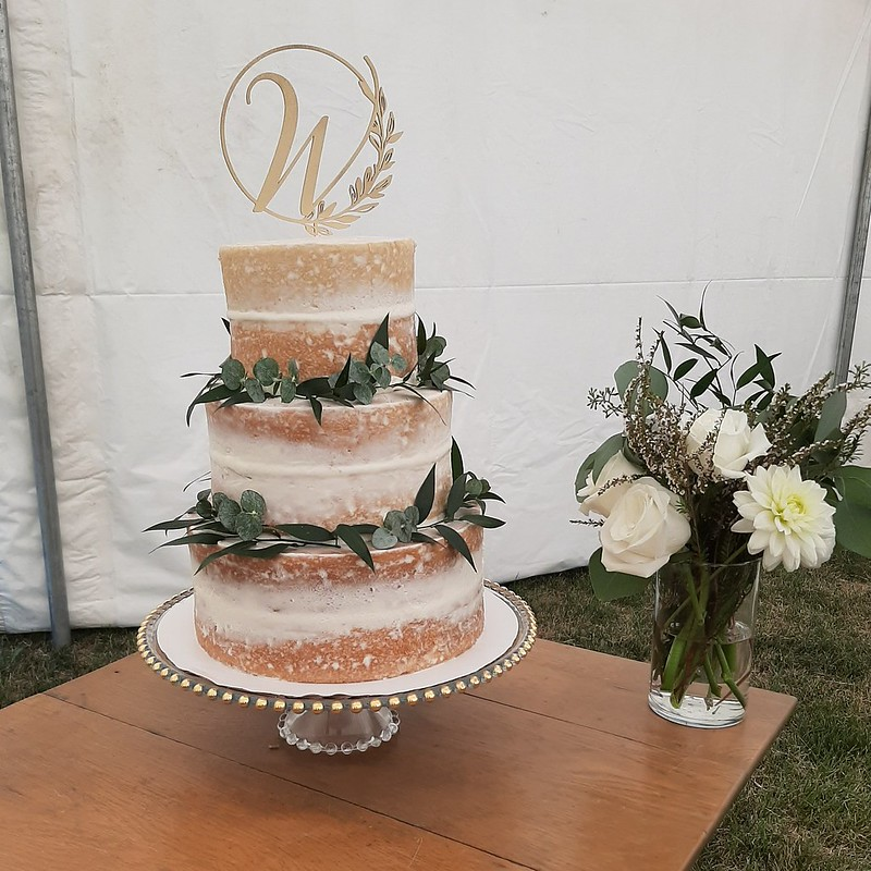 Cake by Frosted - Custom Cake Designs