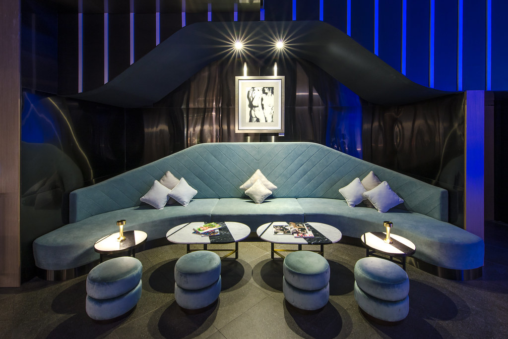 Vogue Lounge 1