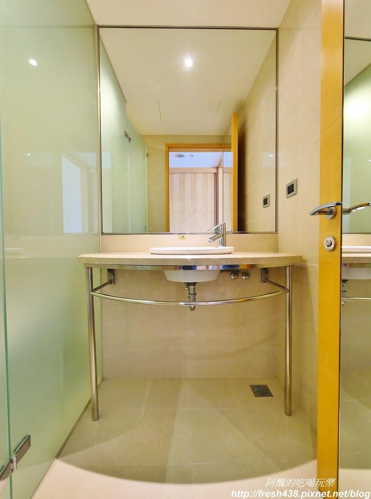 23(客廳有獨立洗手台和廁所)