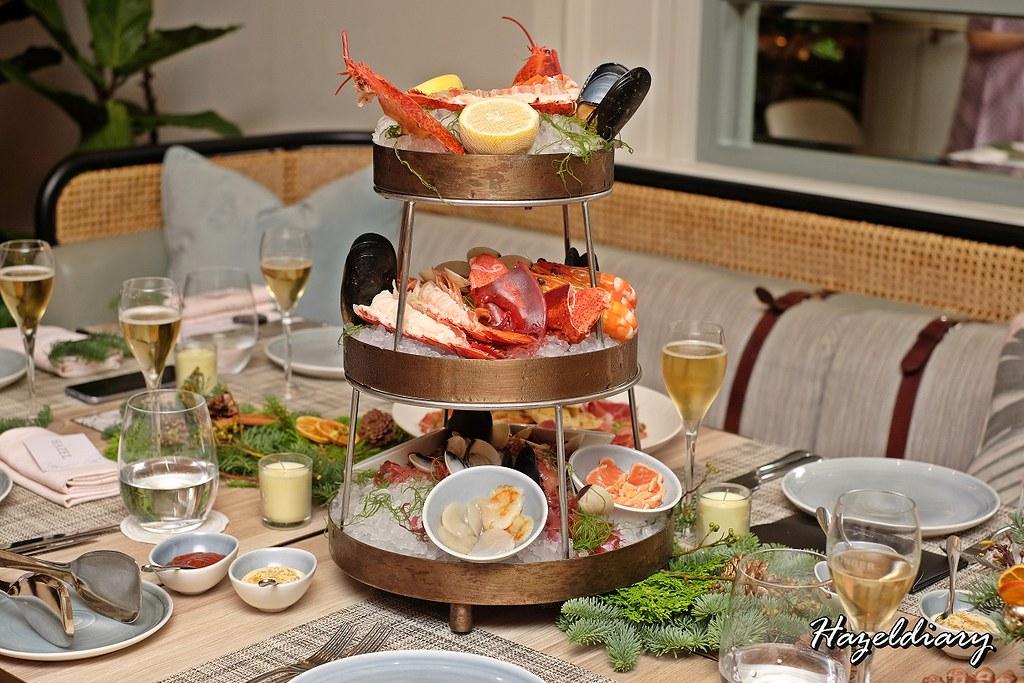 Four Seasons Hotel Singapore-Fresh Seafood on Ice