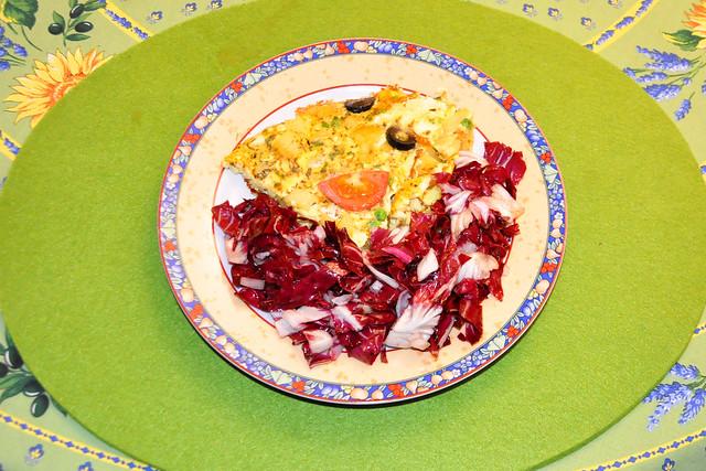Dezember 2020 --- Spanische Tortilla mit Radicchio-Salat --- Brigitte Stolle