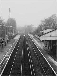 Fog at Petersfield railway station 1057_002 crop line