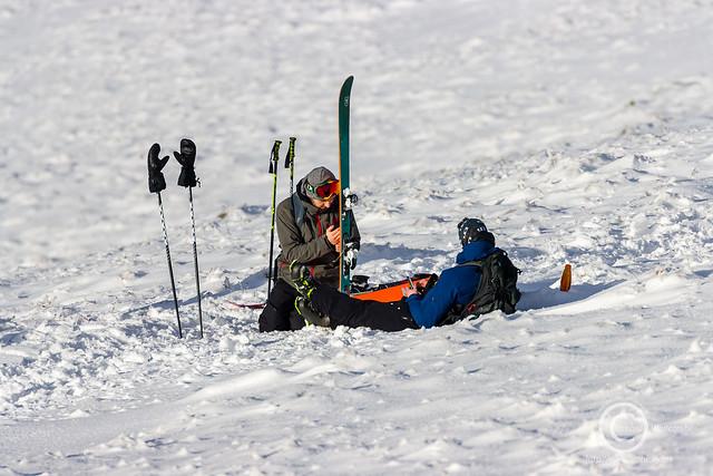 Skiers on Corn Du