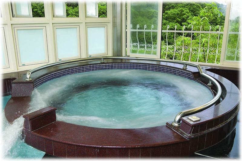 櫻崗-女湯漩渦池