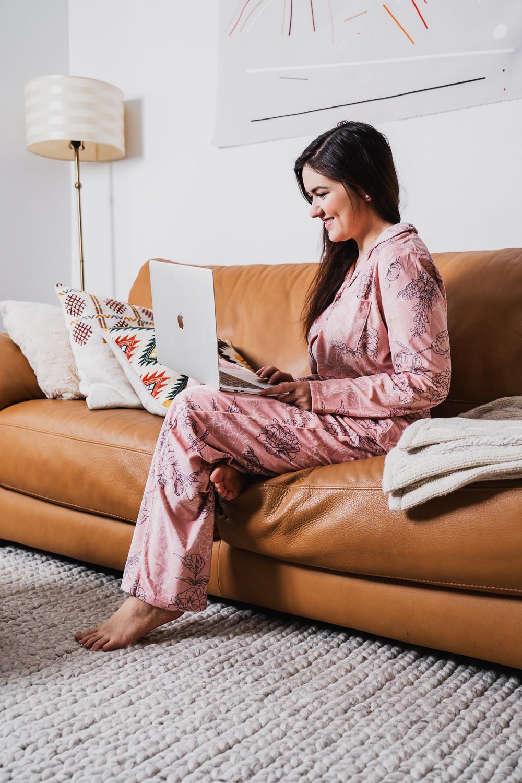 marie-chloé falardeau ordinateur portable pyjama