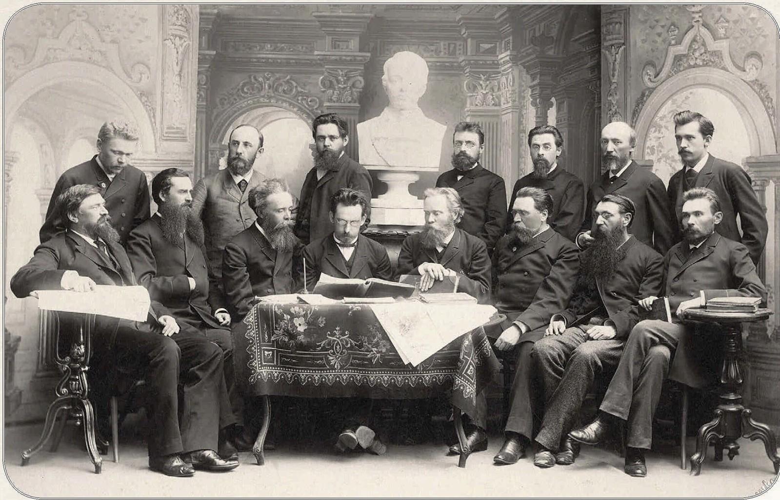 Члены Лермонтовского общества