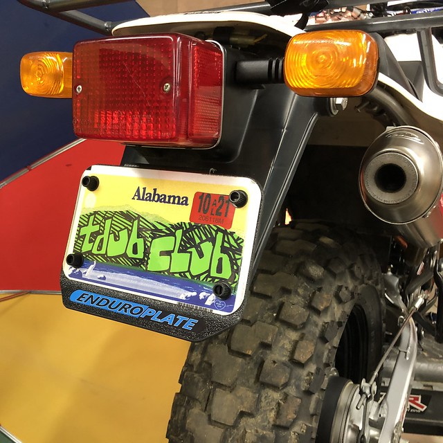 TDUB UP WITH THE ENDUROPLATE LICENSE PLATE HOLDER - YAMAHA TW200